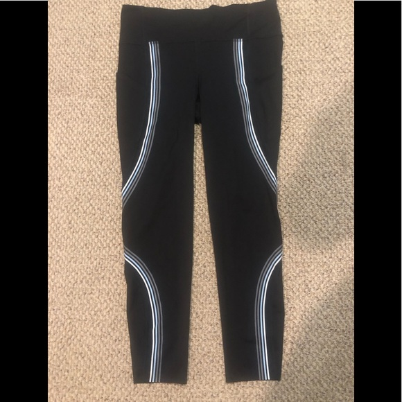 Lululemon NWOT run tight size 10